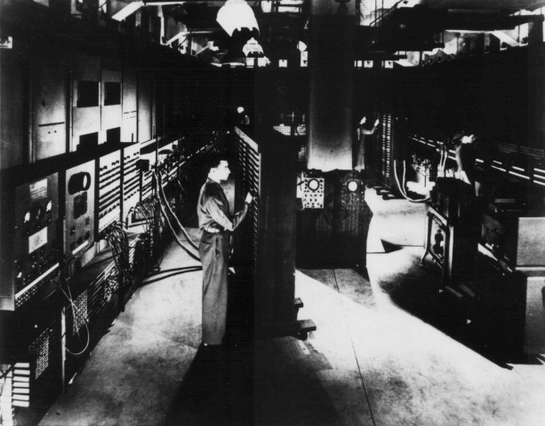 Classic_shot_of_the_ENIAC